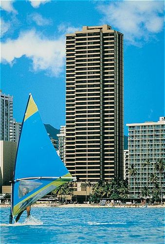 No wonder that the Aston Waikiki Beach Tower has received the AAA  Three-Diamond Award. This is the place where fun and relaxation truly meet.